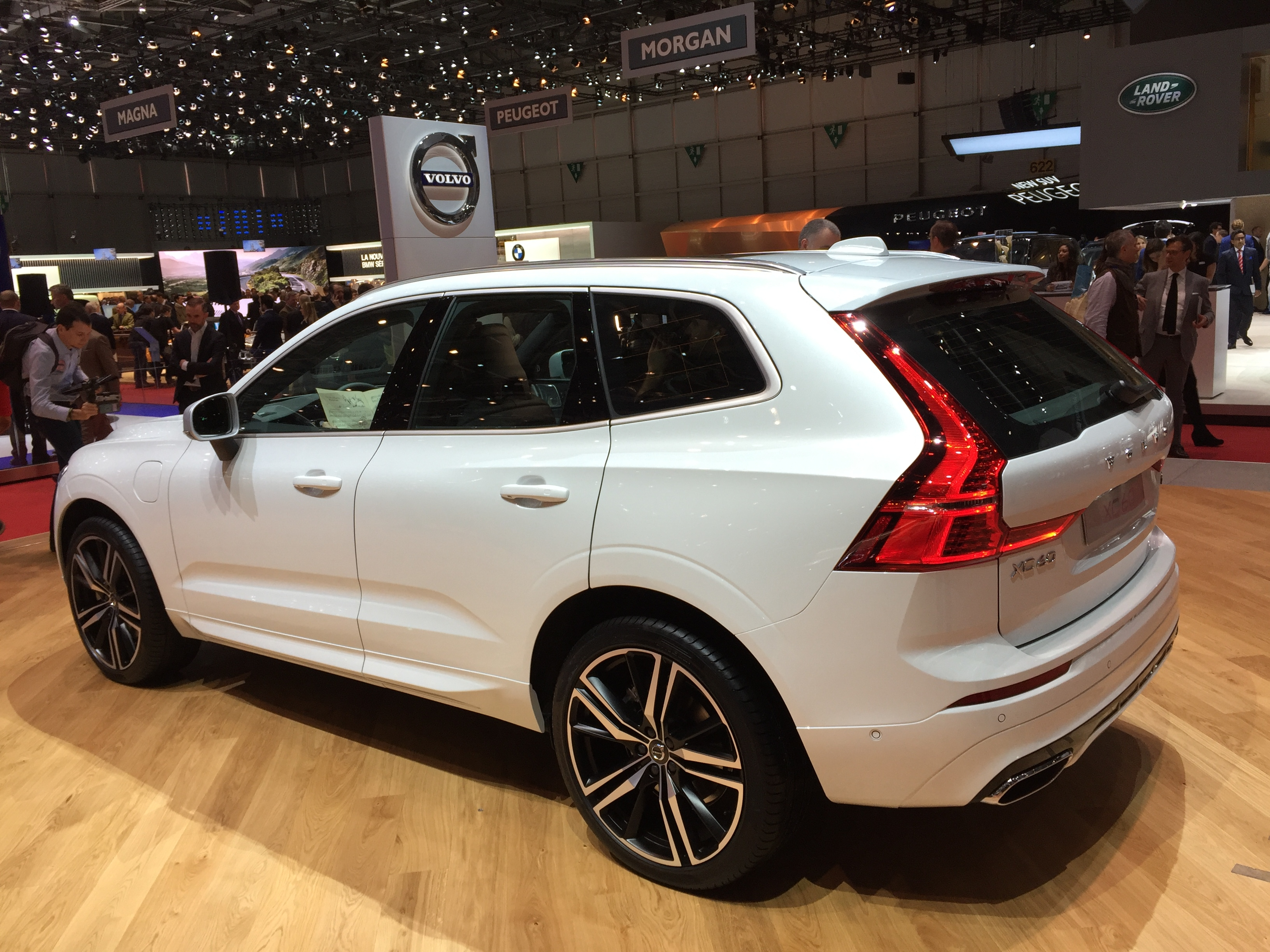 volvo xc60 tout pour plaire vid o en direct du salon de gen ve 2017. Black Bedroom Furniture Sets. Home Design Ideas