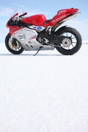 Pirelli établit 4 records du monde de vitesse
