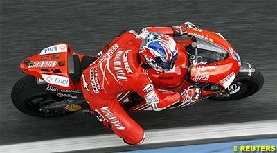 Moto GP - Chine D.1: Stoner ne répond qu'à moitié