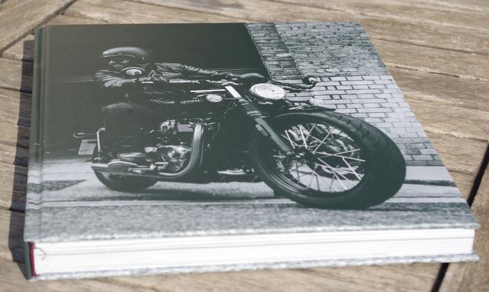 """Lu pour vous: """"Triumph l'art motocycliste anglais"""" par Zef Enault et Michaël Levivier"""