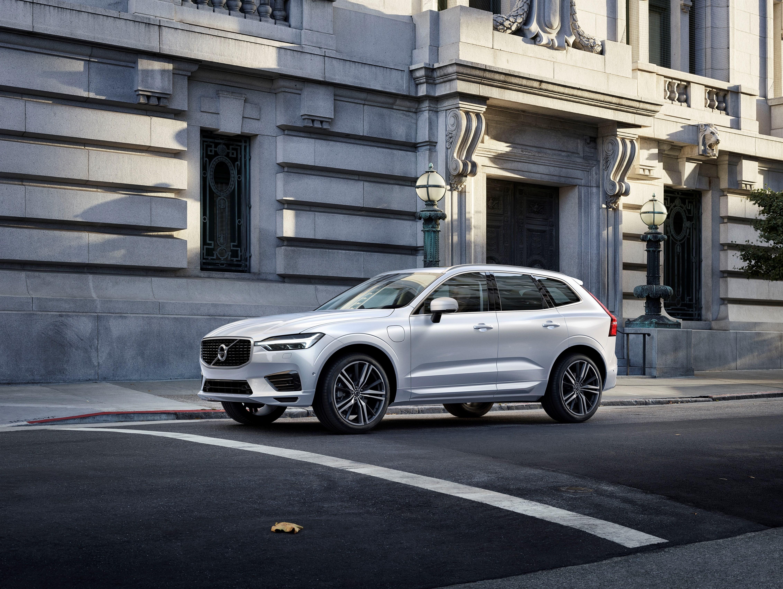 Le SUV premium Volvo XC60 arbore des lignes athlétiques sculptées