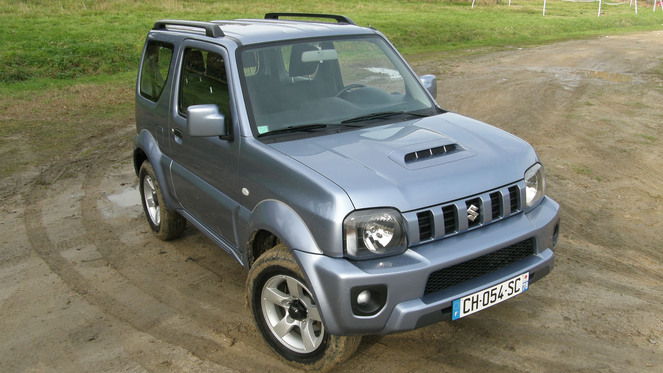 voiture occasion suzuki jimny. Black Bedroom Furniture Sets. Home Design Ideas
