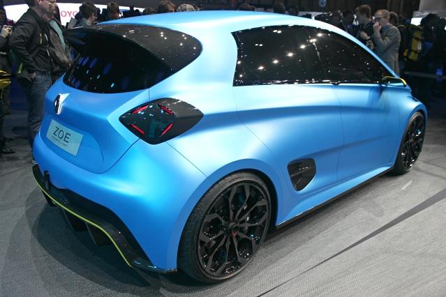 Renault Zoé e-Sport Concept : 460 ch et 0 à 100 en 3,2 s - Vidéo en direct du Salon de Genève 2017