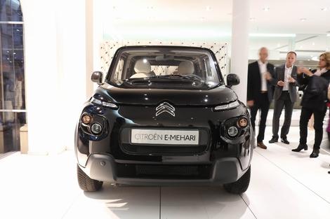 Citroën e-Mehari by Courrèges: soirée fashion pour voiture iconique
