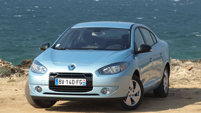 essai vid o renault fluence z e la r volution lectrique dure 80 km. Black Bedroom Furniture Sets. Home Design Ideas