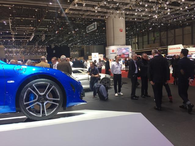 Alpine A110: nouvelle star - Vidéo en direct du salon de Genève 2017