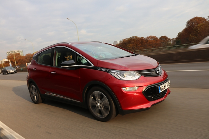 Vidéo - L'Opel Ampera-e jusqu'à la panne : combien de kilomètres peut-on faire en une seule charge ?