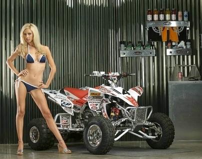 Moto & Sexy : du Quad, parce que tout simplement cela faisait un moment qu'il n'y en avait pas eu !