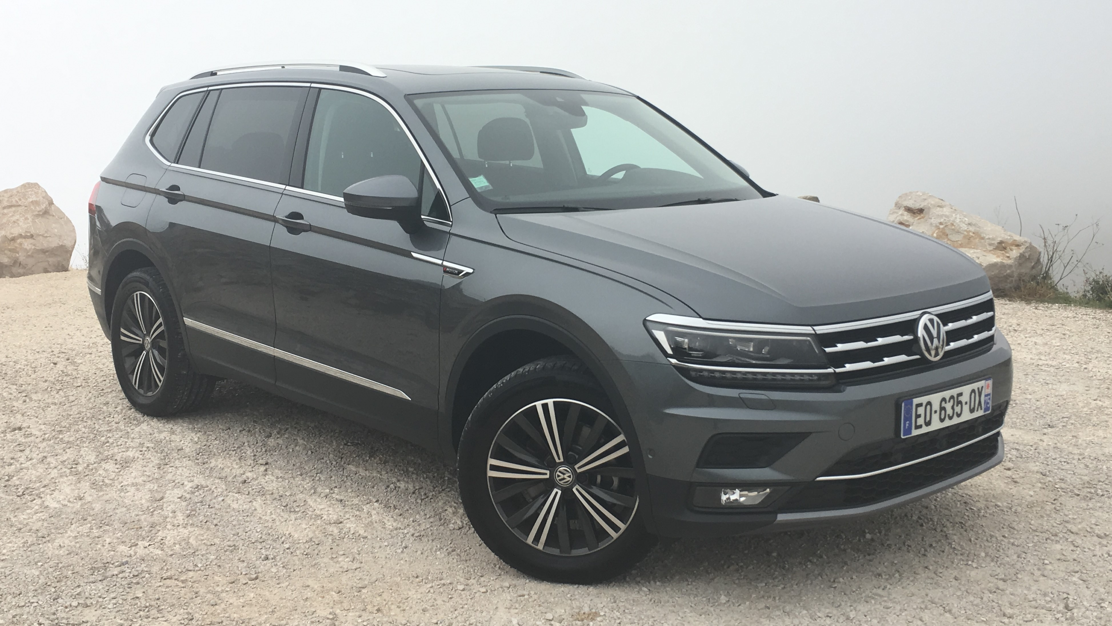 volkswagen tiguan allspace les premi res images de l 39 essai en live. Black Bedroom Furniture Sets. Home Design Ideas