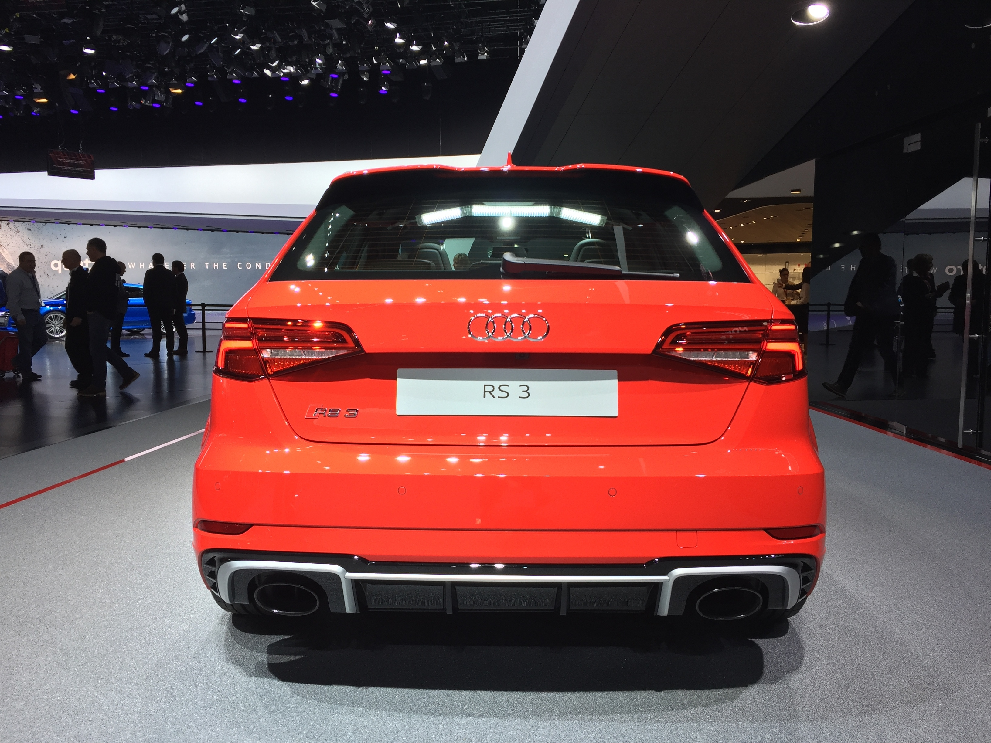 Audi RS 3 Sportback: 400 ch! - Vidéo en direct du salon de ...