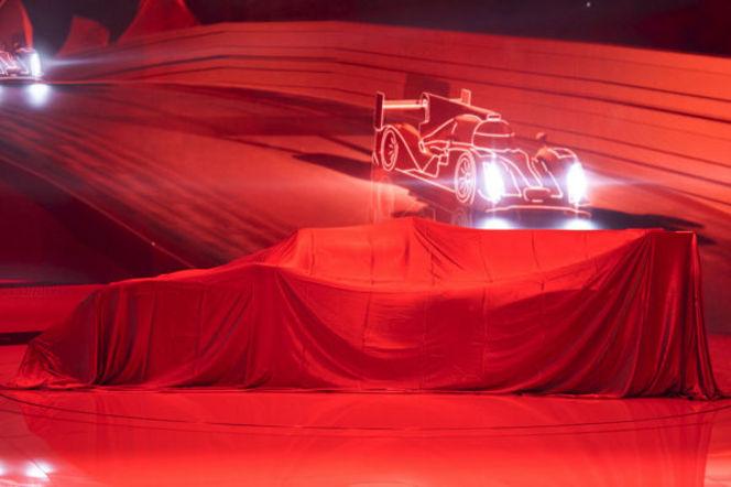 La nouvelle Audi R18 dévoilée dans les rues du Mans!