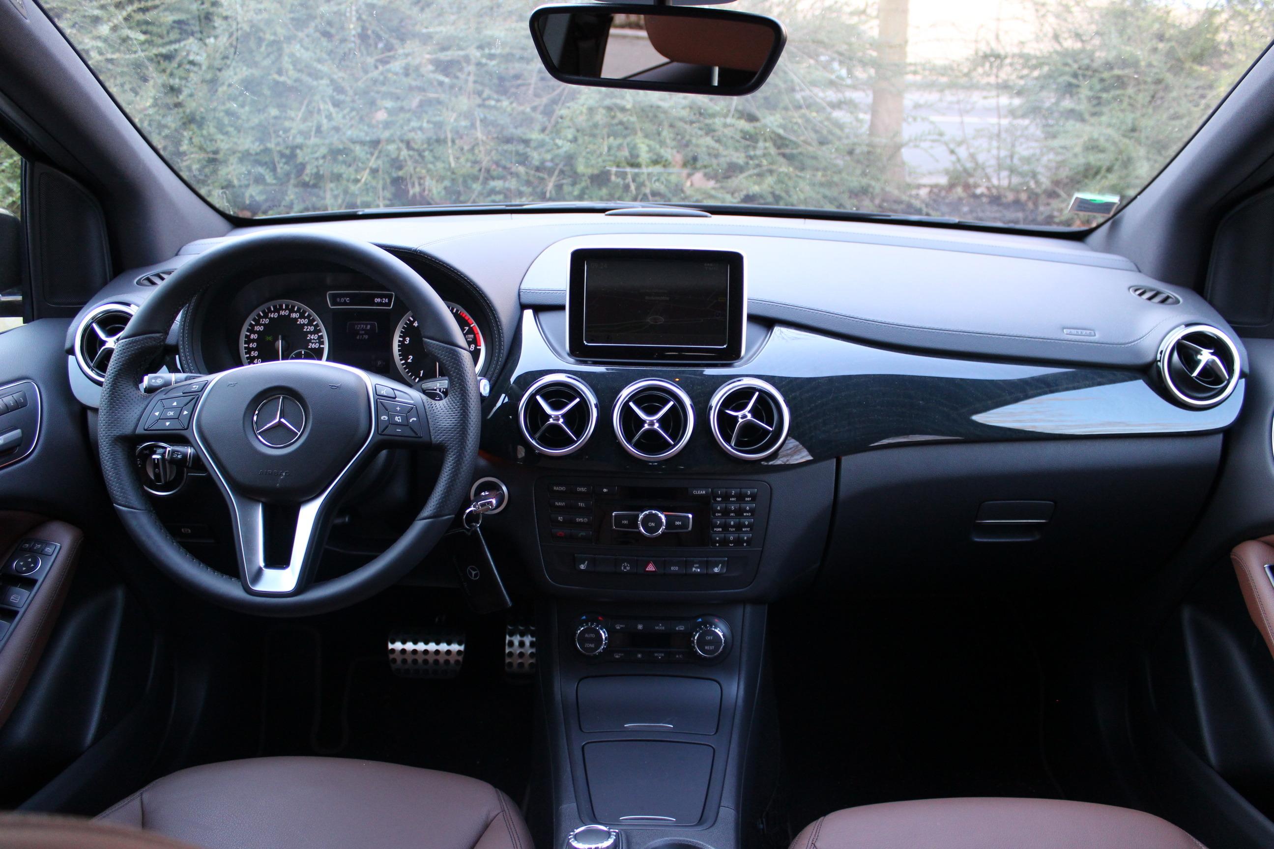 Mercedes Classe E Noir Interieur