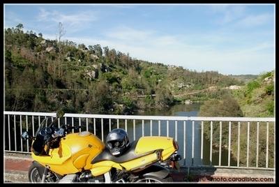 Carnet de voyage - Jour 7 : Repos à Pinhero et lavage de motos