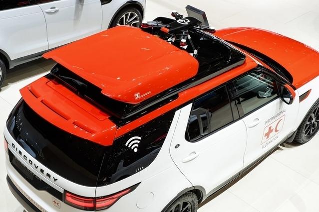 Land Rover et la Croix-Rouge pour un véhicule avec un drone