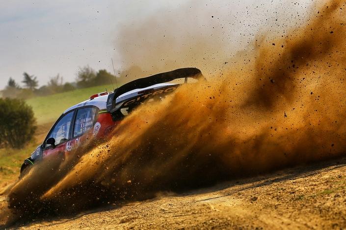 380 ch pour 1190kilos pour la C3 WRC. Quelques différences par rapport à la version de série, donc.