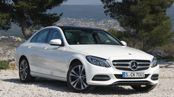 S1-Essai-video-Mercedes-Classe-C-accros-a-la-C-317054