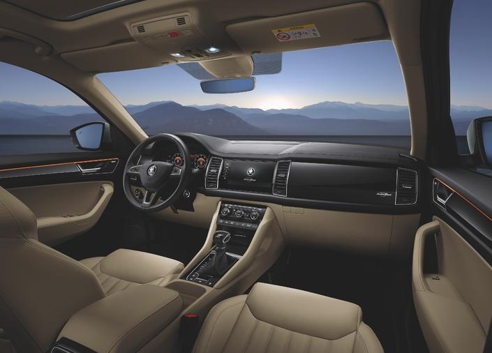 Sellerie cuir, digital cockpit et équipements de confort et de sécurité de premier ordre: le Kodiaq soigne l'accueil dans cette finition Laurin & Klement.
