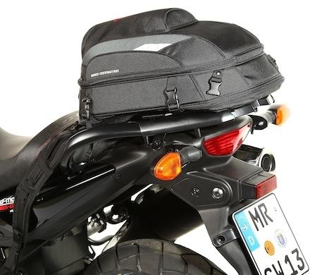 SW-Motech Jet Pack : de la selle arrière à votre dos