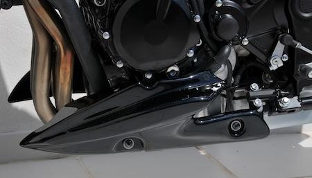 Ermax habille la Suzuki GSR 750.