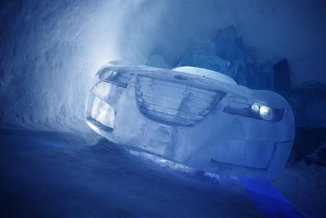 Hôtel de glace de Jukkasjärvi : la Saab Aero X Concept sur glace !