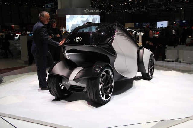 Toyota i-Tril Concept : un air penché - En direct du salon de Genève 2017