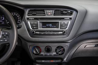 Pour disposer d'un écran multimédia tactile, il faut prendre l'option GPS à 990 €.