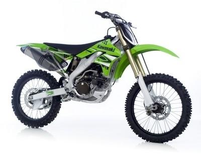 la Kawasaki KX250F s'habille en titane avec LeoVince