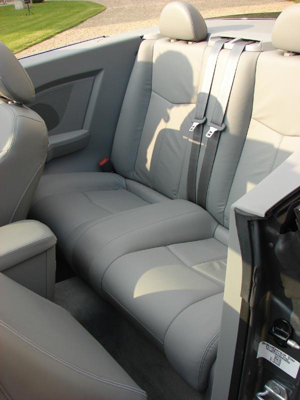 la chrysler sebring cabriolet en 12 chiffres cl s. Black Bedroom Furniture Sets. Home Design Ideas