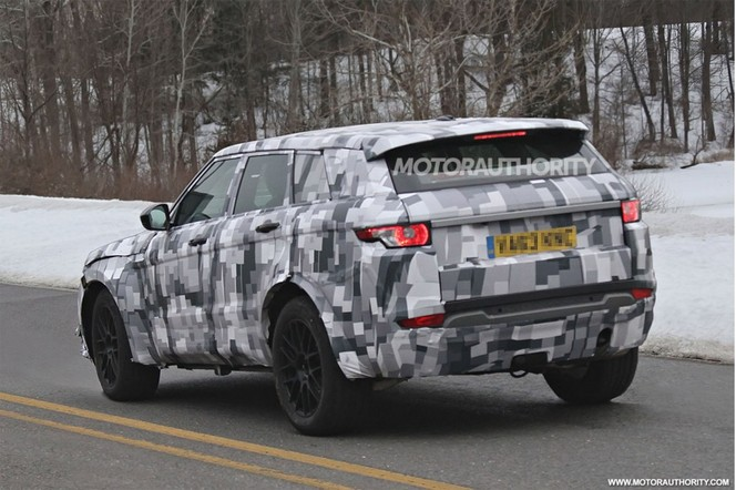 Surprise : le SUV Jaguar sort habillé en Range Rover