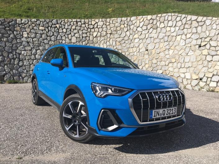 L'Audi Q3 arrive en concession: chirurgie esthétique