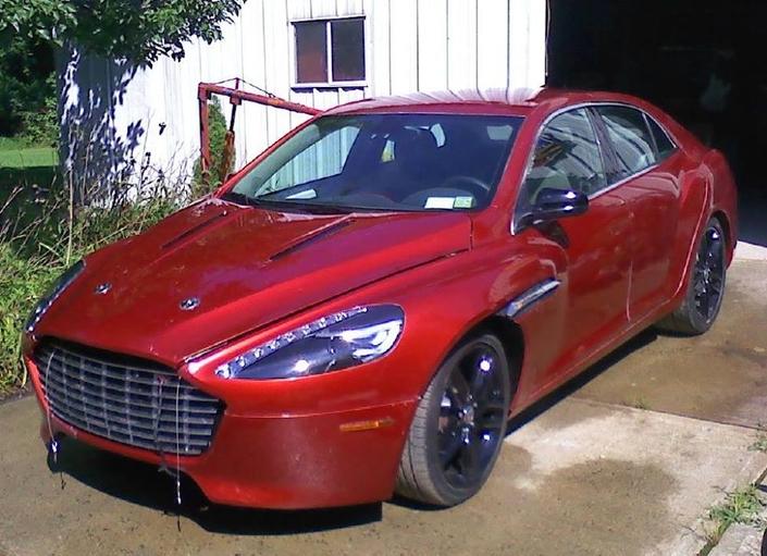 Une Chevrolet Malibu se fait passer pour une Aston Martin Zagato