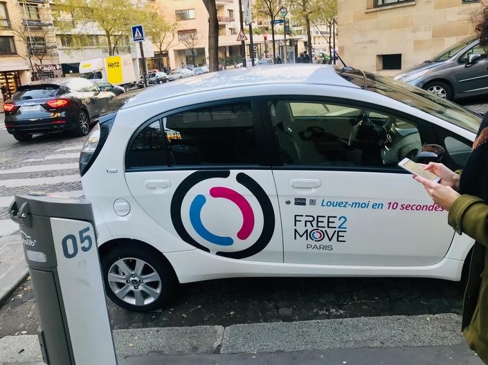 Free floating - On a testé Free2 Move dans les rues de Paris