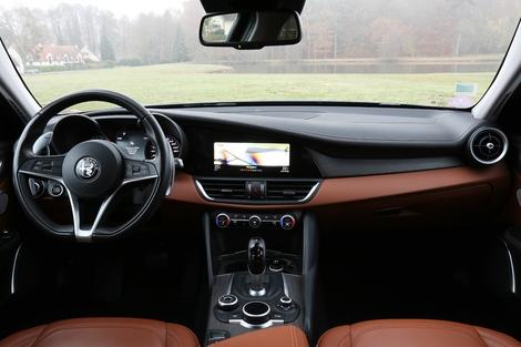 Comparatif vidéo - Peugeot 508 vs Alfa Romeo Giulia : les berlines se rebiffent