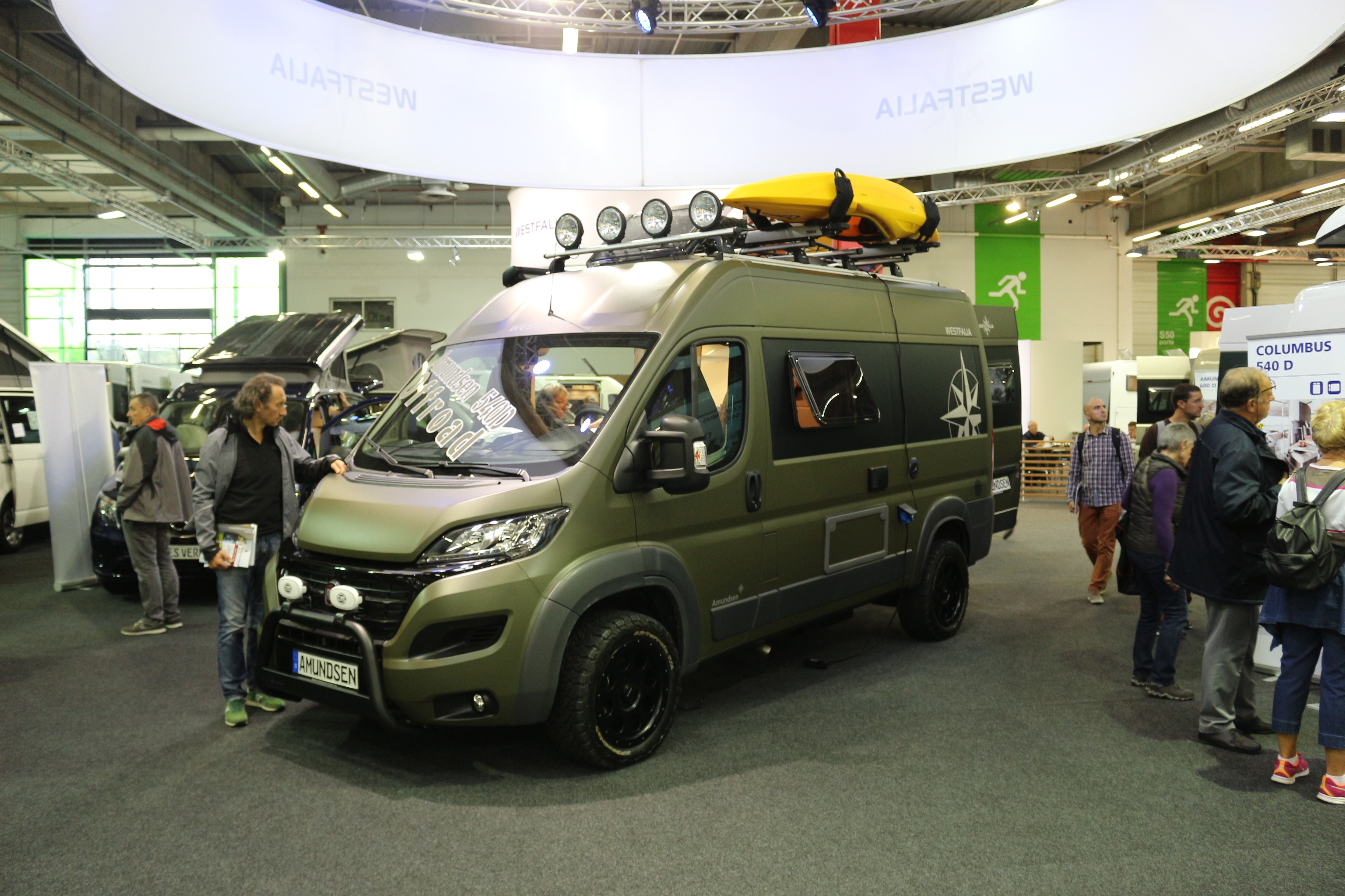 Salon des v hicules de loisirs la star c 39 est le camping car for Salon camping car paris