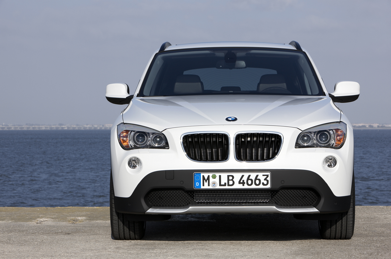 nouveau bmw x1 officiel en photos et vid os et prix. Black Bedroom Furniture Sets. Home Design Ideas