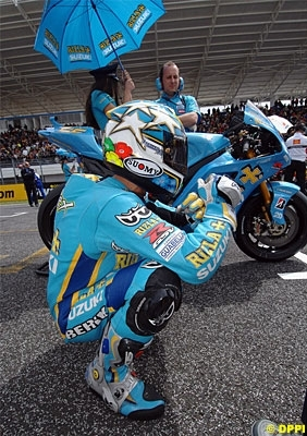 Moto GP - Suzuki: Capirossi a les yeux dans les bleus
