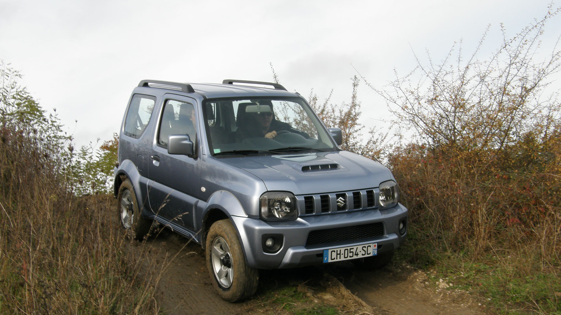 essai suzuki jimny 1 3 vvt l 39 alternative la nouvelle panda 4x4. Black Bedroom Furniture Sets. Home Design Ideas