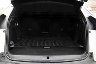 Le coffre affiche un volume supérieur à la moyenne (520 litres). Seul le Tiguan fait mieux.
