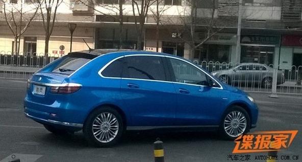 Le chinois BYD prépare une super sportive et un remake de Renault R16!