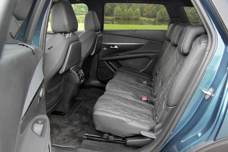 Le 5008 dispose de sièges individuels coulissants.