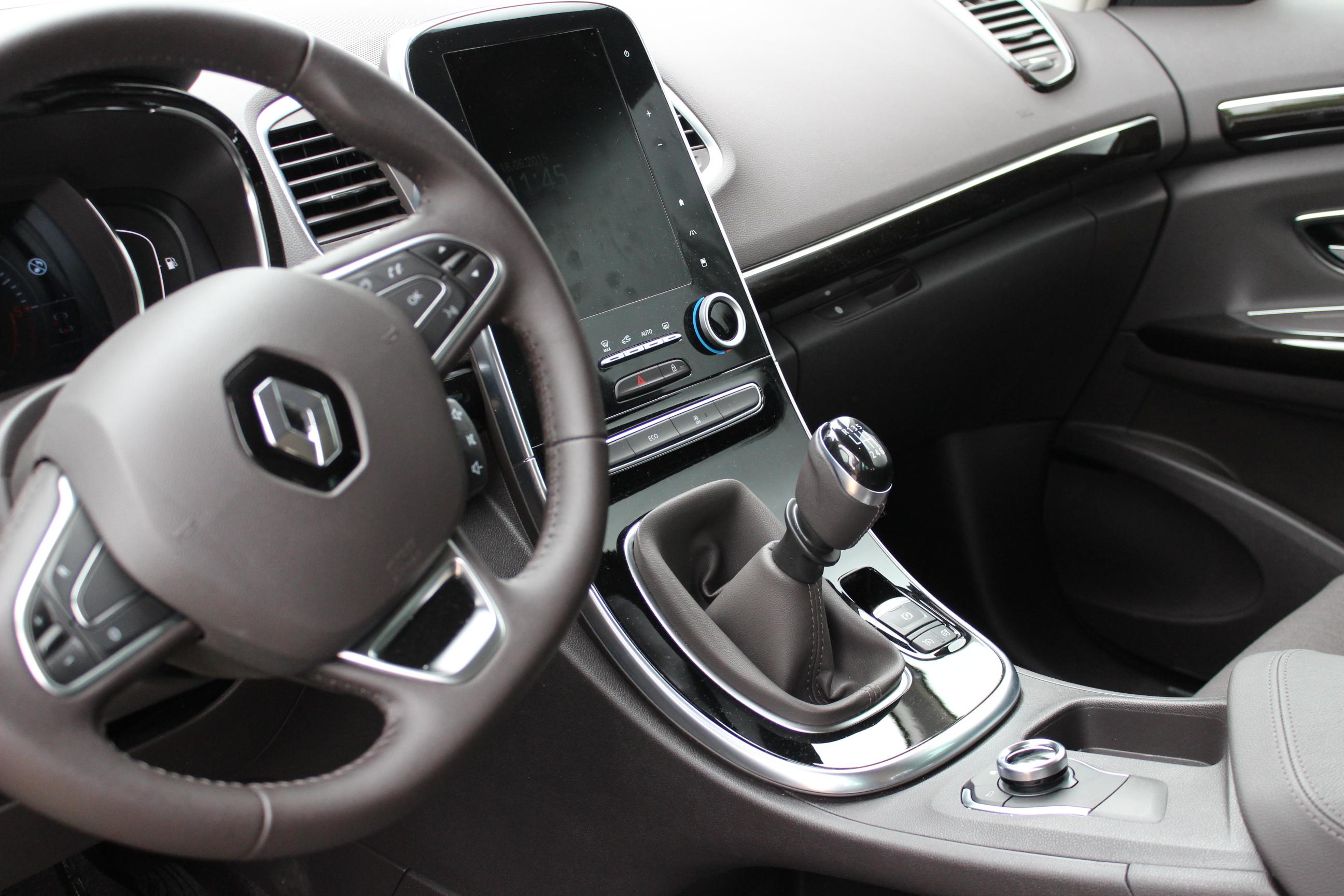 A l\'intérieur du Renault Espace 5