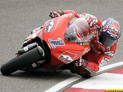 Moto GP - France D.1: Stoner retrouve l'appétit