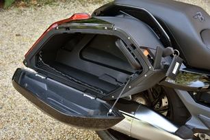 Essai BMW K1600 Bagger : K16B – Sport Bag' !
