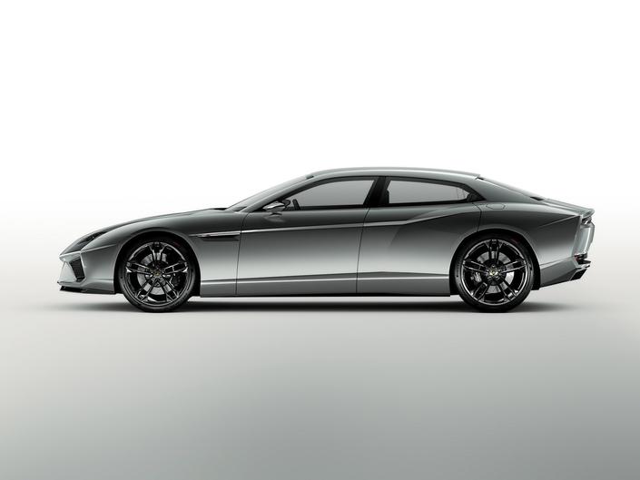 Lamborghini : après le SUV, la berline