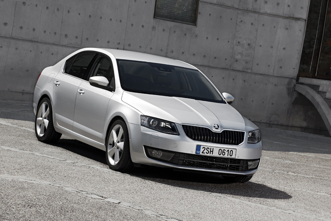 nouvelle skoda octavia enfin officielle. Black Bedroom Furniture Sets. Home Design Ideas