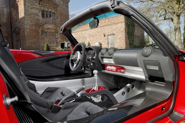 Lotus Elise Sprint : une nouvelle version ultra légère