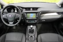 Toyota Avensis restylé : en avant-première, les photos de l'essai