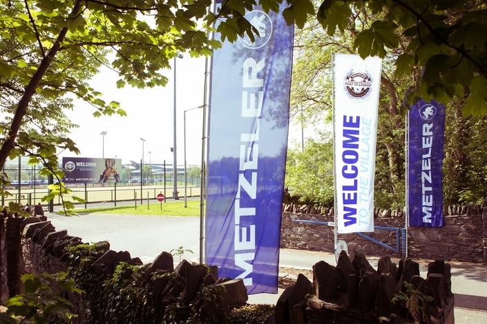 Tourist Trophy 2018, Metzeler y plantera son Village: début des réservations