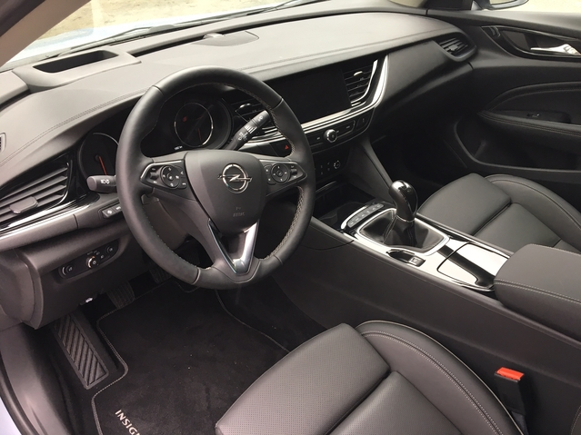 Opel Insignia Grand Sport - Les premières images de l'essai en live + premières impressions