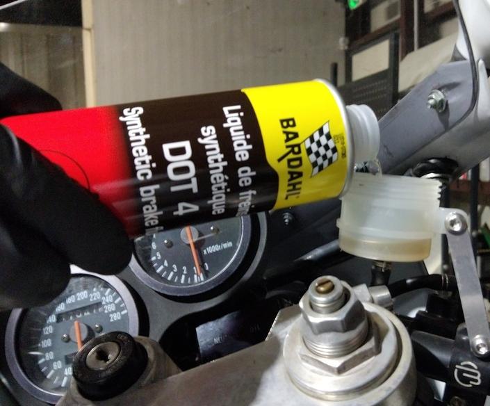 Testeur Rothewald de liquide de frein (DOT) S1-testeur-rothewald-de-liquide-de-frein-l-essai-576869